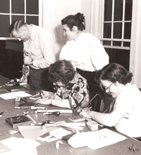 Ruth Radakovich teaching at the Creative Workshop in the 1950s