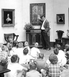 Lang Clay, Dir. of Education gives tour to children in Gallery May 1962